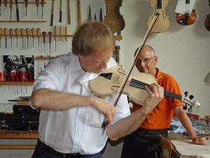 Alexandre Dubach spielt Paganini