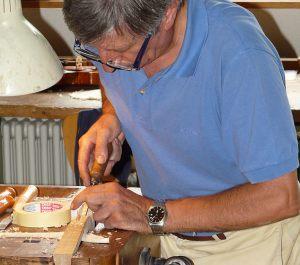 Lorenzo Marchi sticht den Wirbelkasten